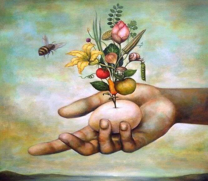 ape-che-volta-attorno-ai-fiori