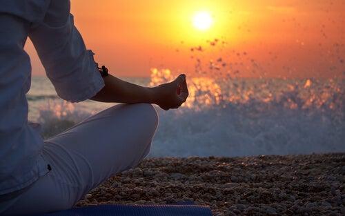 meditazione-sulla-spiaggia