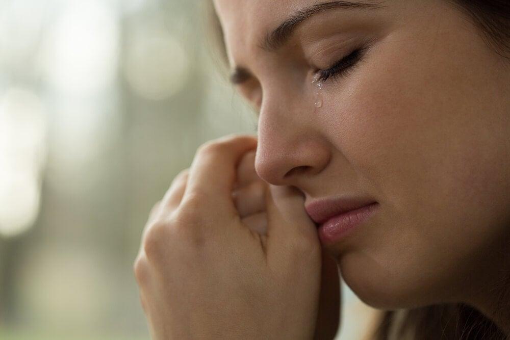 ragazza-che-piange
