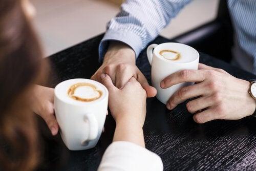 cappuccini-e-mani