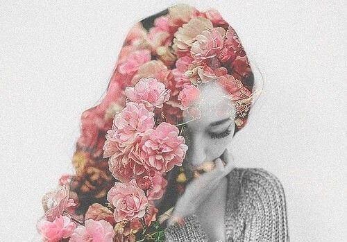 donna-capelli-coi-fiori