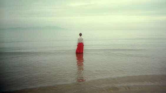 Il bisogno di non restare soli rende vulnerabili