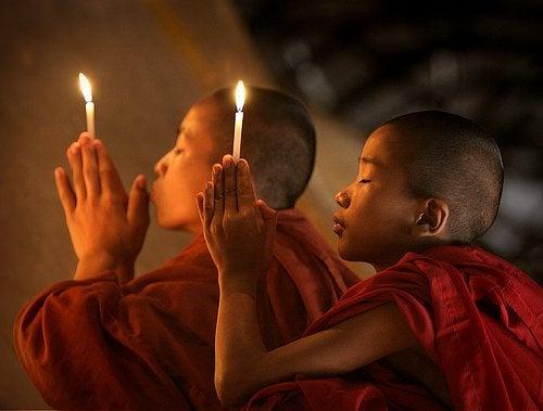 monaci-buddisti
