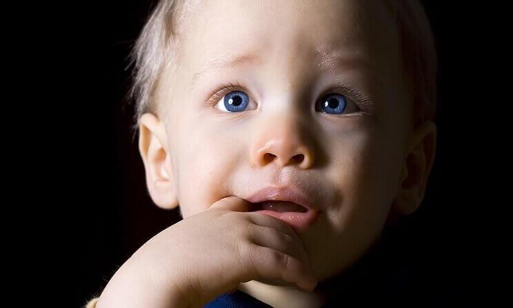 neonato-soffre-di-depressione