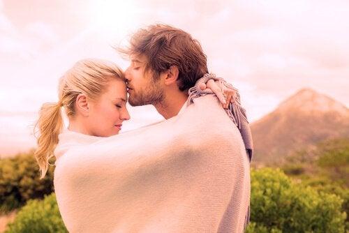 7 modi per aumentare il livello di ossitocina nel corpo