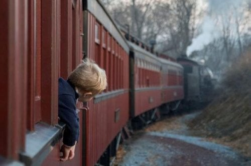 bambino-su-treno