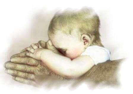 mano-nonno-neonato