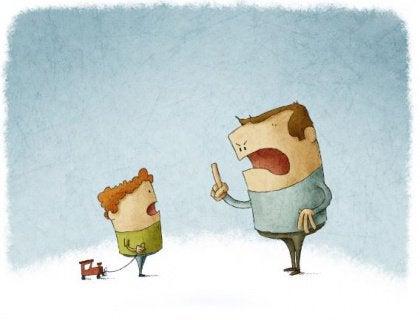 padre-sgrida-figlio