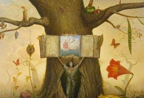 uomo-che-apre-libro-in-un-tronco