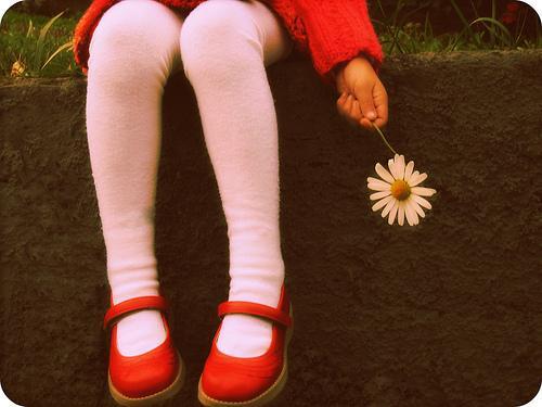 bambina-e-fiore