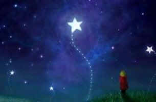 svegliò bambino-che-guarda-le-stelle