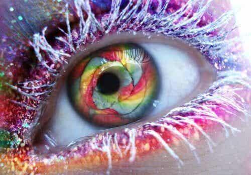 Lo sguardo induce a stati alterati di coscienza?