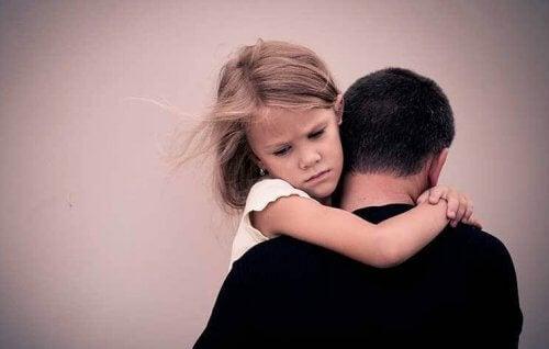 5 traumi psicologici causati da un genitore alcolista
