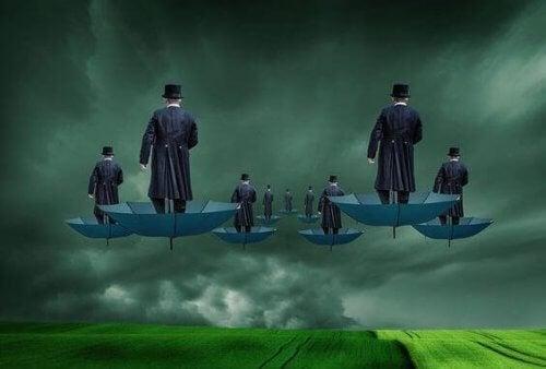 uomini-su-ombrelli