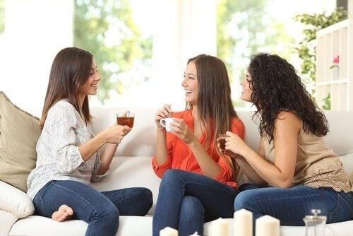 Donne e uomini danno un significato diverso all'amicizia