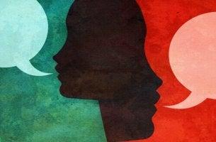 persone-che-parlano persuasione