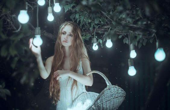 ragazza-lampadine