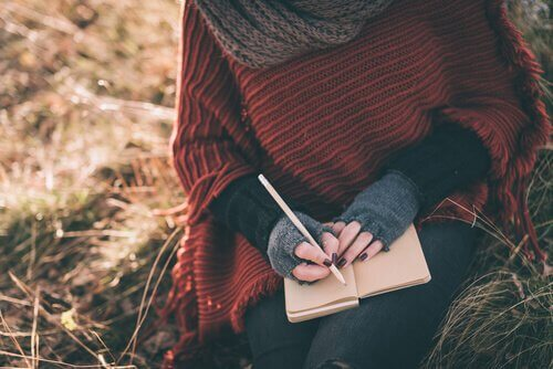 ragazza-scrive