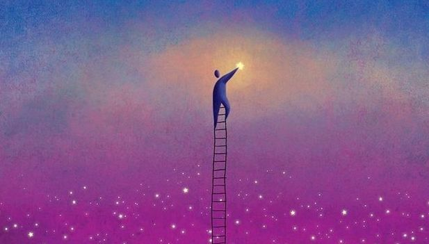 uomo-scala-il-cielo
