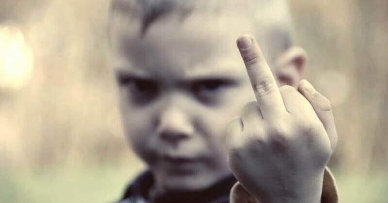 Se i figli crescono senza limiti, vi faranno diventare matti