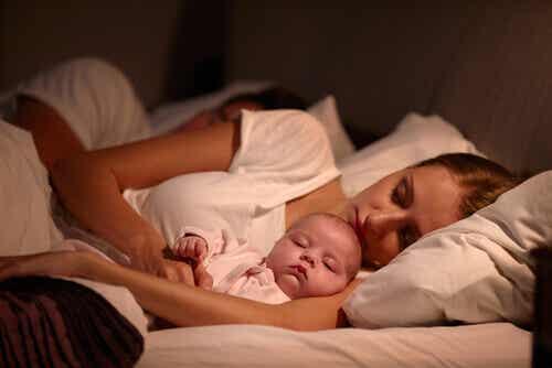 Genitori e figli: dormire con mamma e papà?