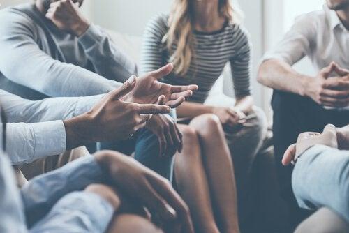5 strategie per intavolare una conversazione interessante