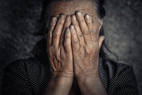 Che rapporto c'è tra le emozioni negative e il dolore cronico?