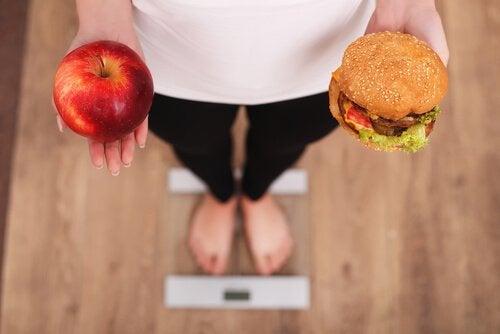 7 tecniche psicologiche che ci aiutano a perdere peso