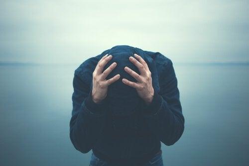 5 cattive abitudini delle persone ansiose