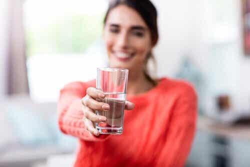 Scegliamo noi se vedere il bicchiere mezzo vuoto o mezzo pieno