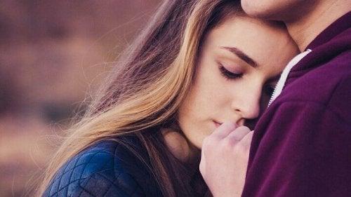 """""""Né con te né senza di te"""": l'attaccamento insicuro-ambivalente"""