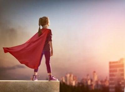 Si è dimenticata di mettere il suo mantello, ma è ancora una supereroina