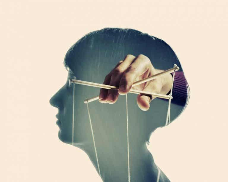 5 modi di manipolare la mente