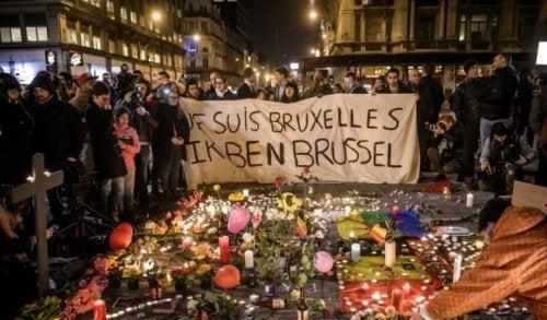 Fiaccolata a Bruxelles per le vittime del terrorismo
