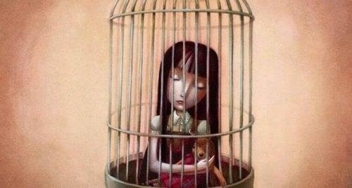 Figlia in gabbia