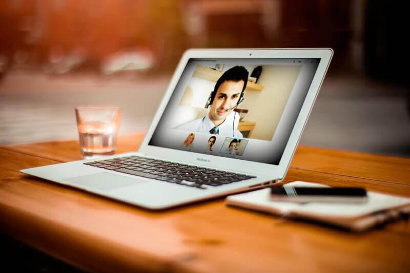 5 vantaggi di scegliere uno psicologo online