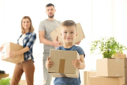 Famiglia che trasloca