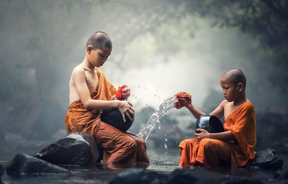 Bambini buddisti