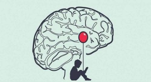 Bambino con un palloncino nel cervello umano