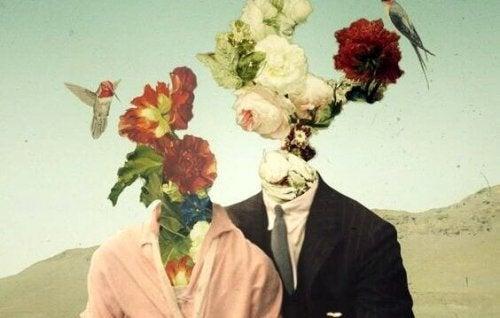 Coppia con fiori in testa