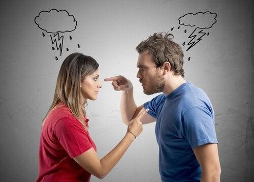 5 aggressioni verbali del partner che forse non notiamo