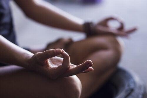 4 passaggi fondamentali per iniziare a meditare