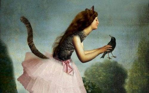 Donna fatto con corvo in mano