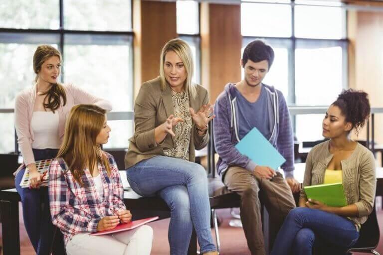 Psicologa educativa e ragazzi