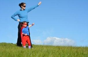 Mamma e figli supereroi