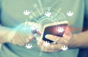 Smartphone e notizie virali
