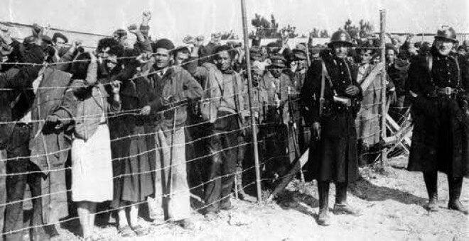Italiani che scappano dalla guerra