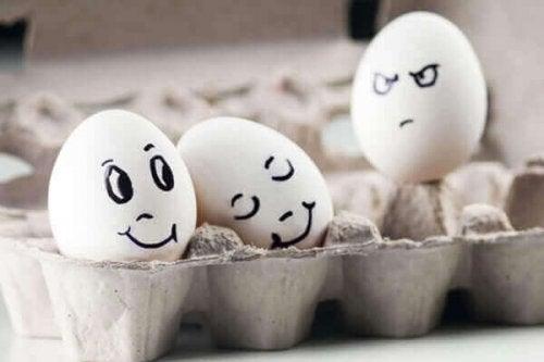 uovo che prova invidia