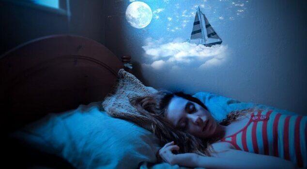Parlare nel sonno ragazza