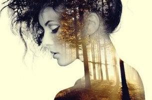 Donna in solitudine